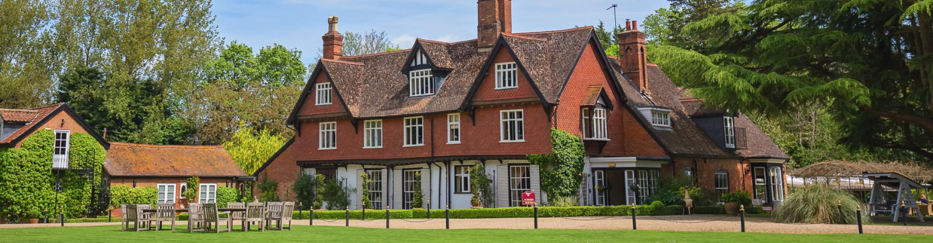 Ravenwood Hall Hotel - Rougham
